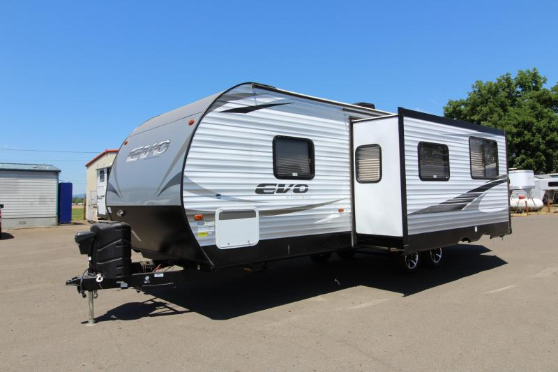 2018 Evo Travel Trailer 2550 - Arctic Package - Solar Power -  Back Up Camera Prep - Storage Plus Door - Aluminum Wheels - Silver Birch Interior Decor - PRICE REDUCED BY $2100 in Elmira, OR
