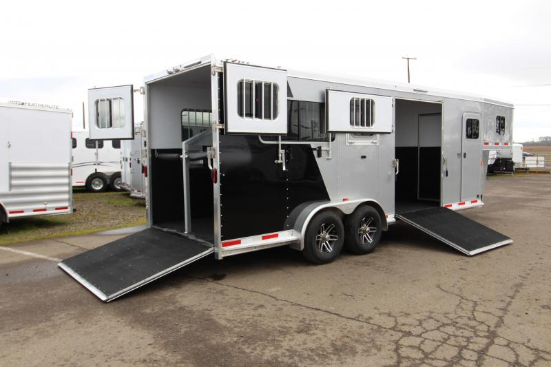 2018 Exiss Trailers 7200 SR - 2 plus 1 Horse Trailer - with Rear and Side Ramps- Dual Exterior Coloring - Easy Care Flooring - Lined and Insulated - Upgraded to Drop Down Feed Doors  in Garibaldi, OR