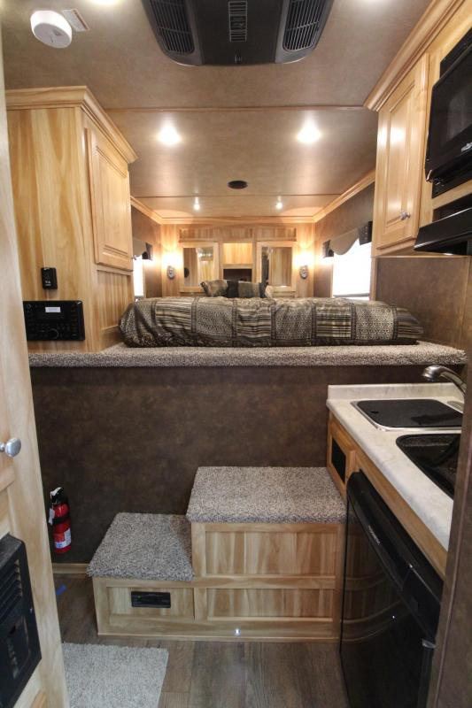 2019 Exiss 7304 - 4ft sw Living Quarters 3 Horse Trailer -Easy Care Flooring - All Aluminum