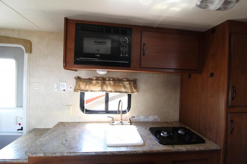 2014 Forest River -  EVO 195 BH Travel Trailer - Rear Bunk Beds -