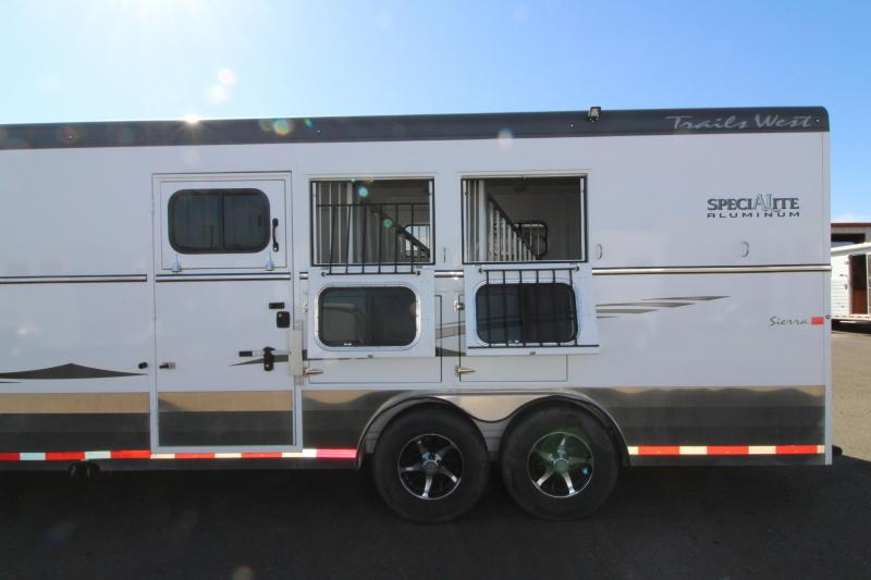 2016 Trails West Sierra LIGHTLY USED - 11' SW LQ 3 Horse Trailer - With Manger - Rear Tack - 8' Wide