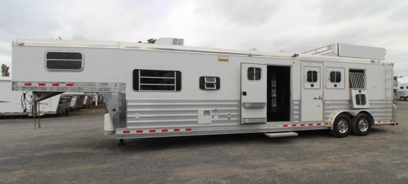 2007 4-Star 13 SW Living Quarters Outlaw Interior - w/ Mid-tack - Generator - 3 Horse Trailer