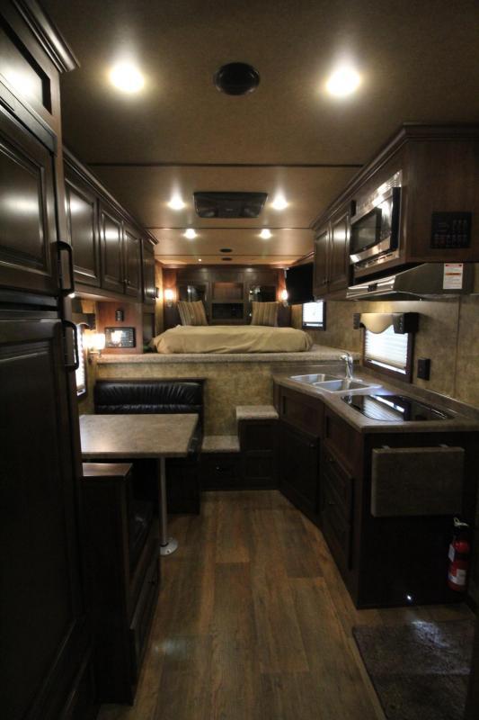 2019 Exiss Endeavor 8310 - 10ft SW Living Quarters 3 Horse Aluminum Trailer