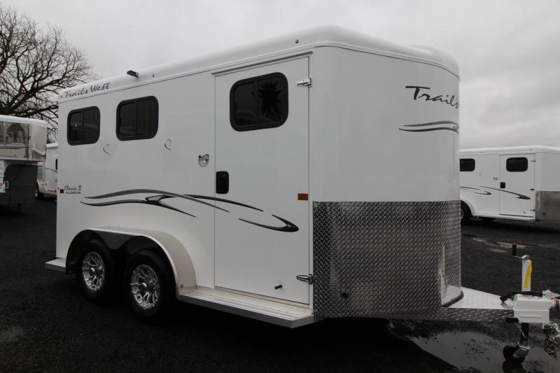 2019 Trails West Classic II 2 Horse Horse Trailer Lined & Insulated Roof