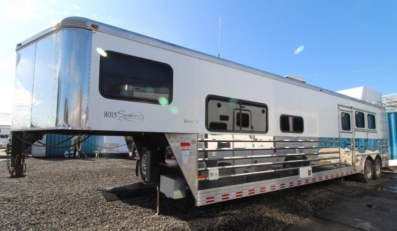 2006 Sundowner 8015 - 8'w 15ft sw Living Quarters w/ GENERATOR 3 Horse Trailer