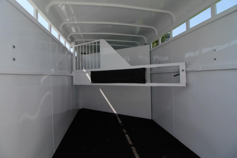 2018 Fabform Vision 2 Horse Trailer - Galvanized Steel - Swing out Saddle Rack - Adjustable Stalls