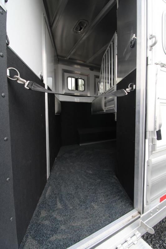 2018 Featherlite 9821 Liberty 17' Short Wall w/ super slide - 4 Horse Trailer - Hay rack and ladder
