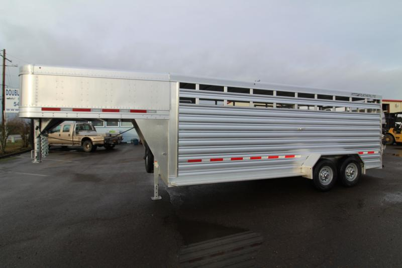 2019 Featherlite 8117 - 20 ft  All Aluminum Livestock Trailer - Upgraded 7K Axles - Center Gate with Slider
