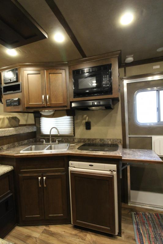 2016 Featherlite 9821 - All aluminum - 11' SW LQ with Slide Out 3 Horse Trailer - With Rear Ramp - Mangers - and Custom Diamond Plate Hay Rack - REDUCED PRICE