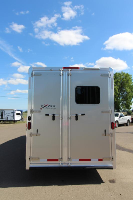 2018 Exiss Trailers 7306 3 Horse 6 ft SW LQ All Aluminum Horse Trailer - Easy Care Flooring - Air Flow Dividers - Champagne Exterior Color