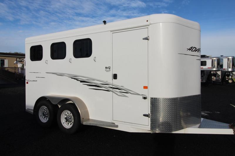 2014 Trails West Adventure MX II 3 Horse Trailer w/ Hoof Grip Flooring & Stud Divider