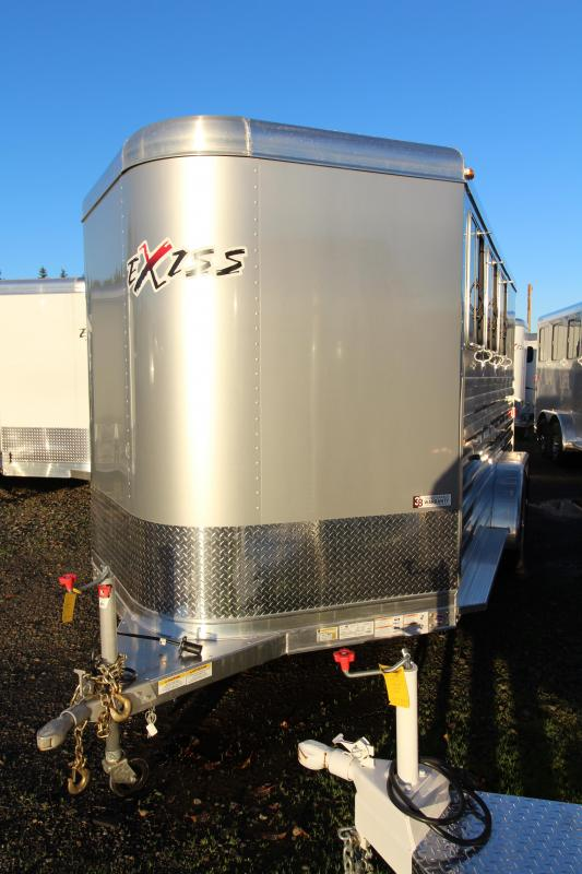 2018 Exiss Express CXF 3 Horse Trailer - Drop Down Head Side Windows w/ Tail Side Plexi Glass Inserts for Air Gaps - Enclosed Tack Room - Air Flow Dividers - PRICE REDUCED BY $600