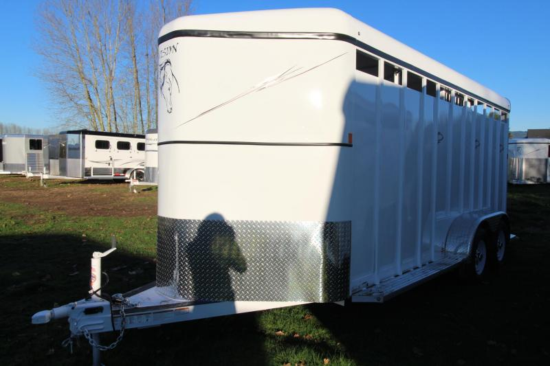 2018 Fabform Vision 3 Horse Trailer With Swing out saddle rack - Adjustable Dividers