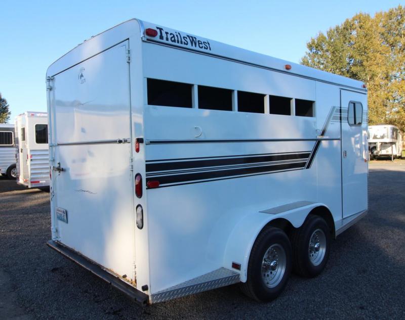 1997 Trails West Santa Fe 3 Horse Trailer EXCELLENT CONDITION!