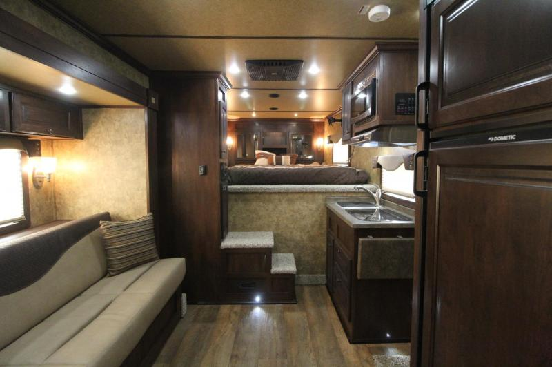 2018 Exiss Endeavor 8410 w/ Slide Out Living Quarters 4 Horse Trailer Lined & Insulated Ceiling - Upgraded Side Sheets