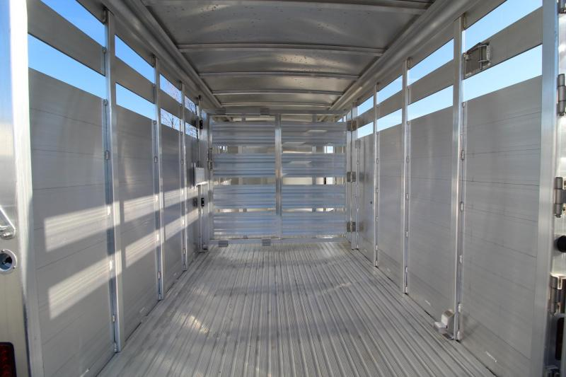 2019 Featherlite 8107 - 16ft Aluminum Livestock Trailer