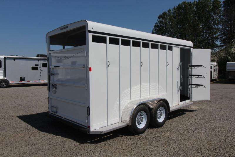 2018 Fabform Vision 3 Horse Trailer - Adjustable Stalls - Swing Out Saddle Rack