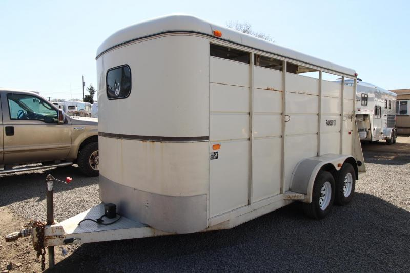 1991 Logan Coach Ranger III - 3 Horse Trailer - Adjustable Dividers