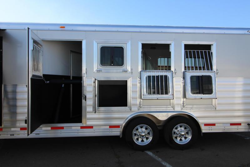 2018 Exiss 8416 - 4 Horse - 16' SW LQ w/ Slide Out All Aluminum Horse Trailer - Dinette and Sofa!