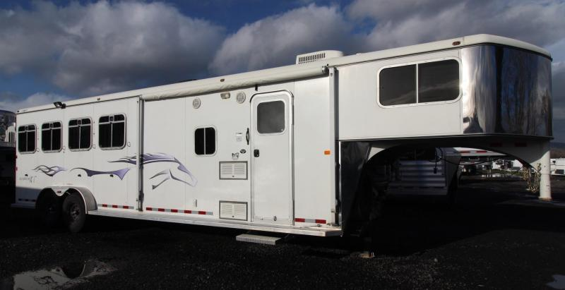 2005 Logan Coach Aluminum XT 4 Horse Living Quarters Trailer