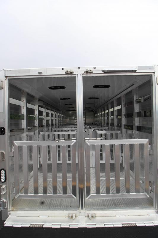 2019 Exiss Exhibitor 24' Livestock Trailers w/ Air Gaps  K5071227