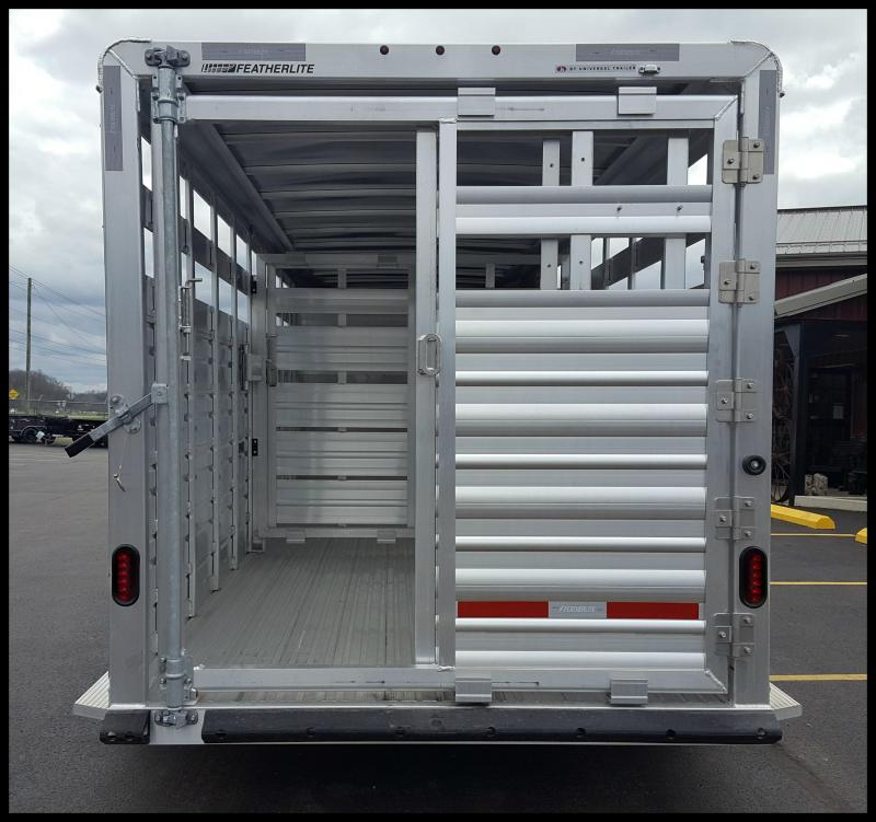 2018 Featherlite 8117 20' Livestock Trailer w/Stainless Front