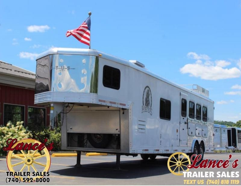 2007 Bison Stratus 4 Horse Trailer With Full LQ