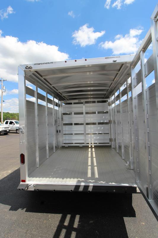 2019 Featherlite 8117 16' Livestock Trailer KC151471