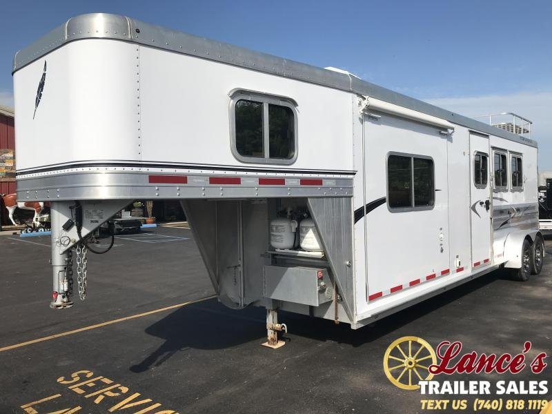 2011 Featherlite 3 Horse Trailer with Full Living Quarters & Slide Out