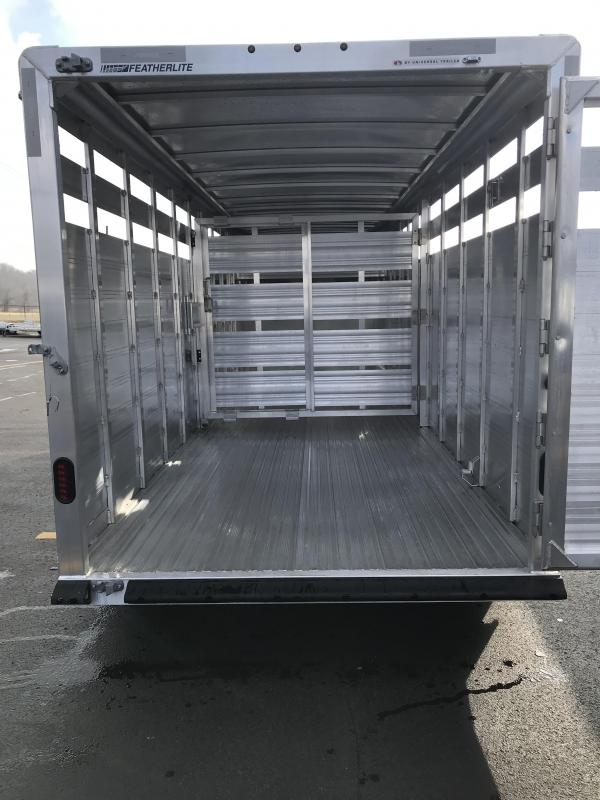 2019 Featherlite 8117 20' Livestock Trailer KC150987
