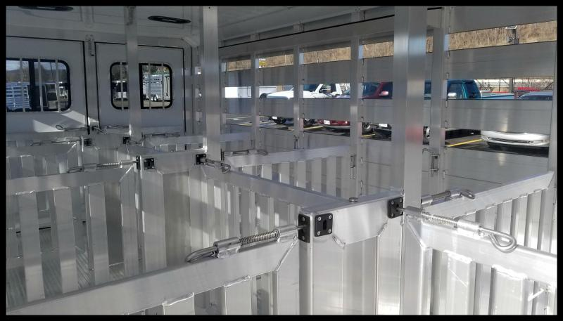 "2018 Exiss ""Exhibitor"" 20' Livestock Trailer w/Air Gaps"
