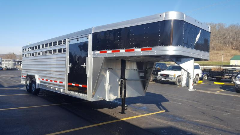 2018 Featherlite 8127 8x24 Show Cattle Trailer w/Black Nose/Ramp