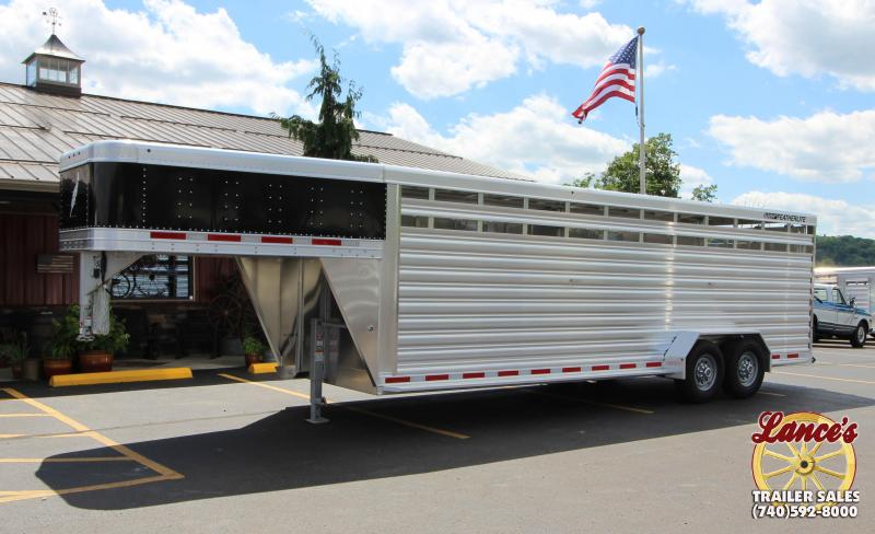 2018 Featherlite 8117 24' Livestock Trailer