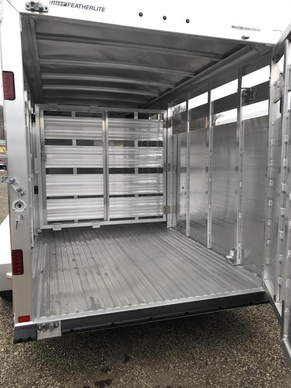 2019 Featherlite 8107 16' Livestock Trailer KC150775