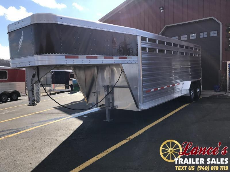 2019 Featherlite 8117 20' Livestock Trailer KC151470