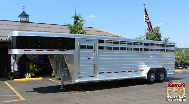 2019 Featherlite 8127 7x24 Show Cattle Trailer w/Stainless Front & Ramp in Ashburn, VA