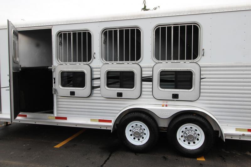 2003 Exiss 4 Horse Gooseneck Trailer Used 32016617