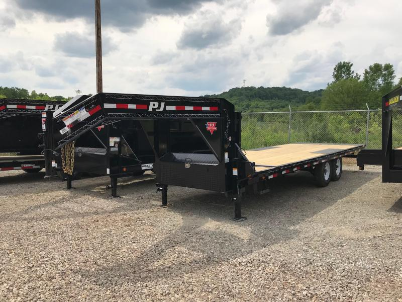 2020 PJ Trailers T8242 Equipment Trailer L3040461
