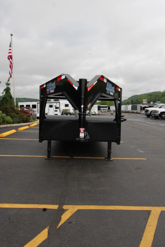"2018 Diamond C 35MVC 82""x36' Car Hauler"