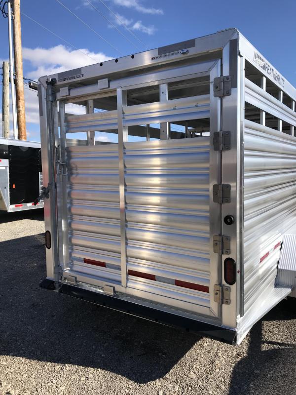 2019 Featherlite 8117 20' Livestock Trailer KC1512000