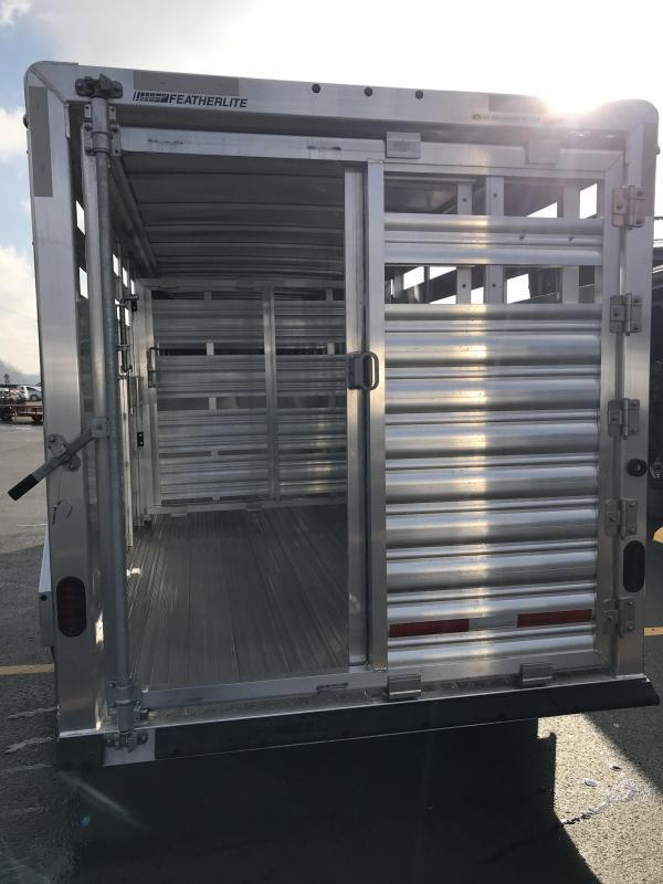 2019 Featherlite 8117 20' Livestock Trailer KC1511040