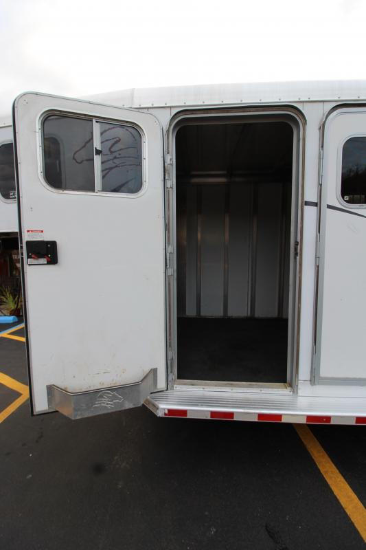 2000 Sooner 4 Horse Revolution Horse Trailer -Used Y1003498
