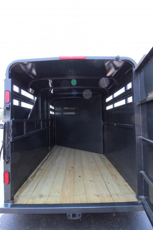 2019 CornPro 14' Livestock Trailer w/ Horse Package KE073829