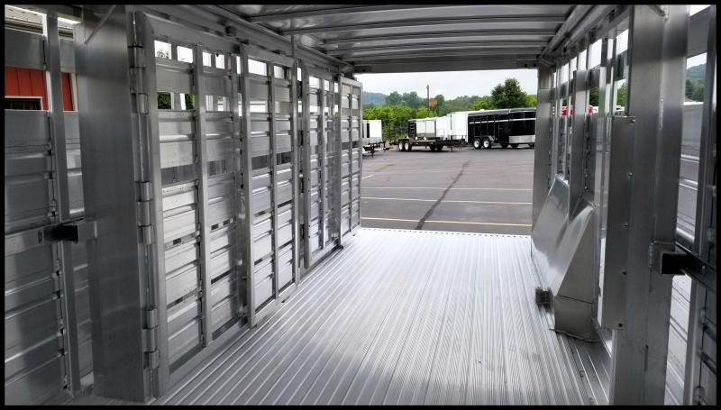 2018 Featherlite 8127 8x24 Show Cattle Trailer w/Stainless Nose/Ramp