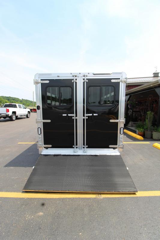 2019 Exiss Exhibitor 16' Livestock Trailer w/Air Gaps K5071196