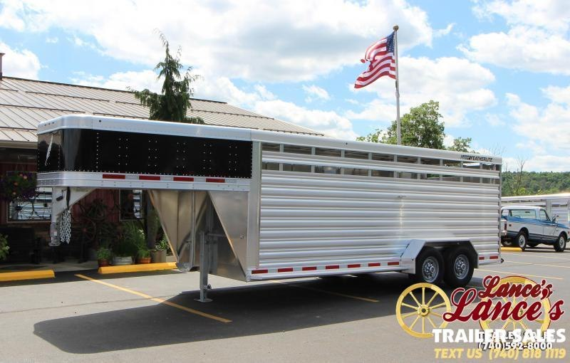 2020 Featherlite 8117 20' Livestock Trailer