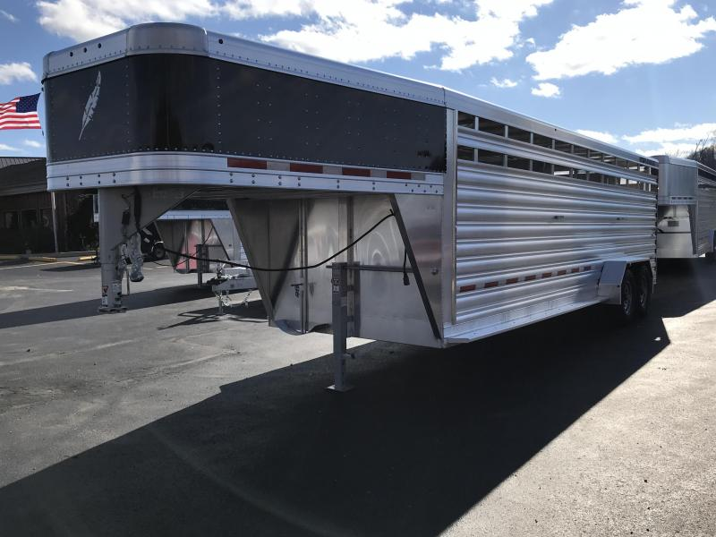 2019 Featherlite 8117 24' Livestock Trailer KC151465