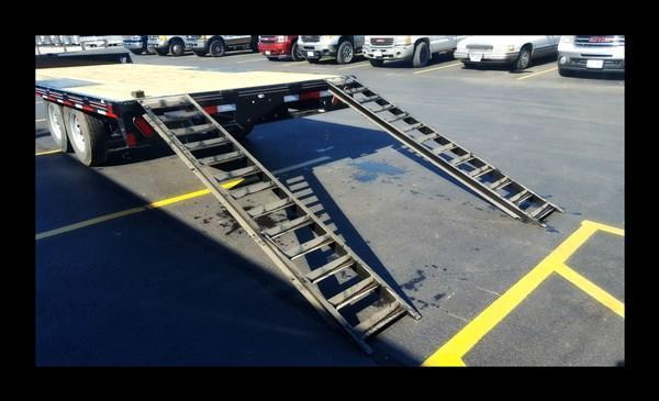 2017 Diamond C 13DEC 20' Heavy Duty Deck-Over Equipment Trailer