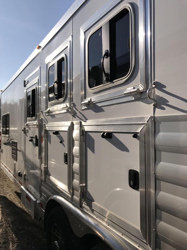 2019 Exiss Endeavor 8310A 3 Horse Slant Load Trailer K5071019