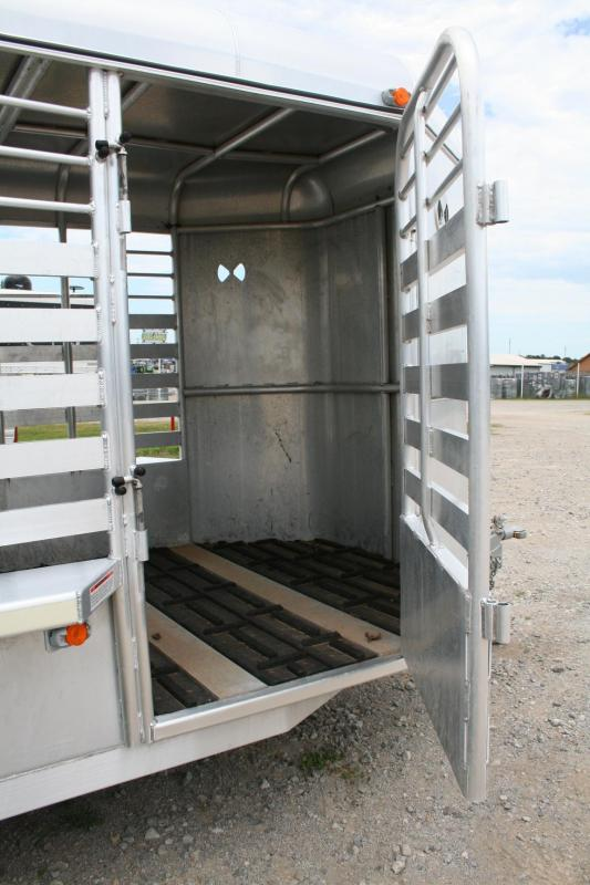 2014 Gooseneck 14-16X6 B6B1 Livestock Trailer